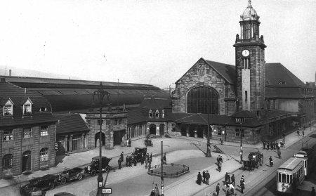 Bahnhof_historisch_3