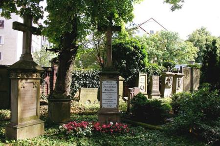 Buschey-Friedhof_b__Dieter_Fassdorf