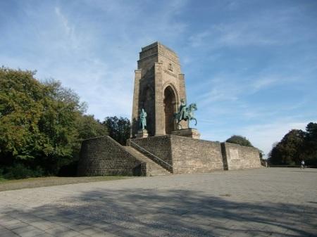 Kaiser-Wilhelm-Denkmal_Dortmund-Syburg_2014